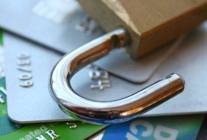 KNF sprawdzi, czy banki poprawiły bezpieczeństwo kart. Zapowiada inspekcje