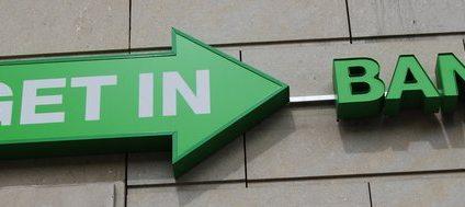 Getin Bank idzie pod prąd. Obniży opłaty za karty