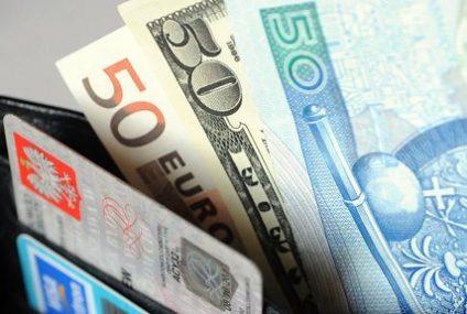 Wyjeżdżasz za granicę? Uważaj, bo banki podnoszą prowizje za przewalutowanie transakcji