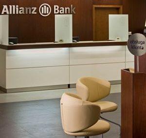 Allianz Bank oficjalnie rozpoczyna obsługę klientów