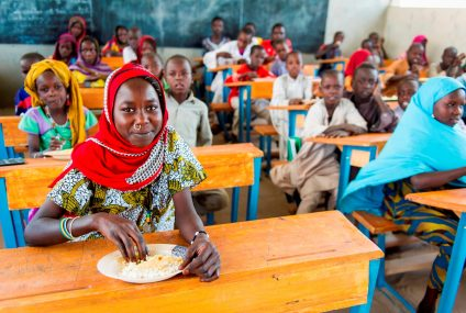 Mastercard: każda transakcja kartą funduje jeden posiłek dla dziecka