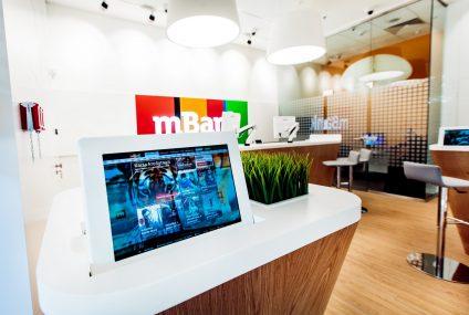 mBank otwiera się na zbliżeniowe wypłaty z bankomatów