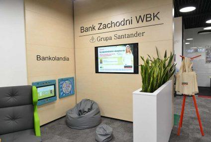 BZ WBK też inwestuje w placówki bezgotówkowe. Tak wygląda oddział w Galerii Północnej