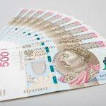"""Wniosek w banku przyspieszy wypłatę """"500+"""" [Bankier.pl]"""