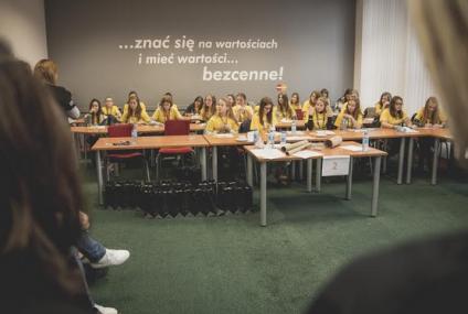 Mastercard i Alior Bank przeprowadzają warsztaty edukacyjne dla dziewcząt