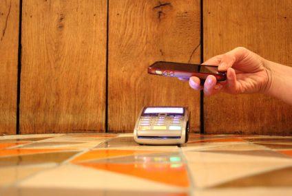 Płatność telefonem coraz popularniejszą formą zapłaty bezgotówkowej - wyniki badania ARC