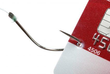"""Millennium dokładał do kart """"Pakiet bezpieczeństwa"""". Zdaniem UOKiK jest to nieuczciwa praktyka rynkowa. Można składać reklamacje"""