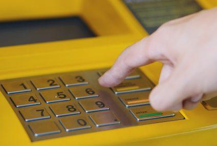 Klienci ING mogą już wpłacać gotówkę w bankomatach sieci Planet Cash