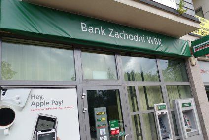 Rusza rebranding BZ WBK. Szyldy Santander Bank Polska przykryte są na razie banerem