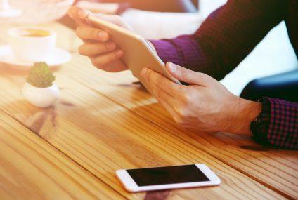 Inwestowanie przechodzi do mobile? ING pokazał kilka ciekawych liczb