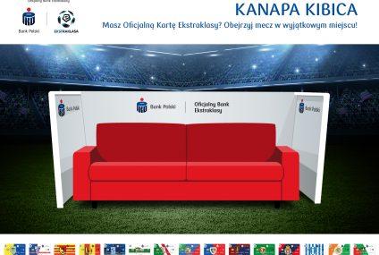 PKO BP inauguruje projekt kanapy kibica. Zwycięzcy konkursów będą mogli obserwować mecze z bocznej linii boiska