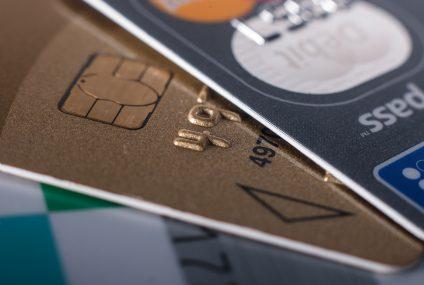 Nest Bank znosi opłatę za wypłaty z bankomatów za granicą