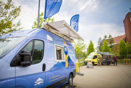 Euronet Polska wystawi w wakacje 180 sezonowych i mobilnych bankomatów