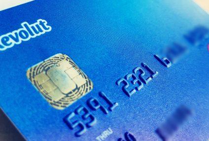 Revolut otwiera dostęp do handlu akcjami użytkownikom kart Standard i Premium