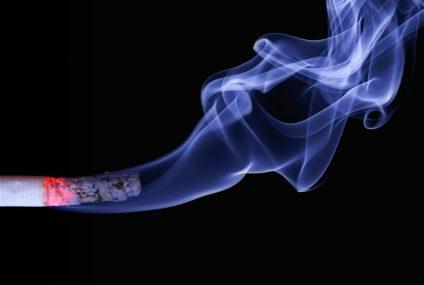 Polacy puszczają z dymem 105 tysięcy mieszkań rocznie