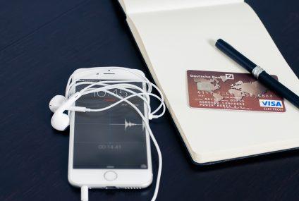 W końcówce roku rośnie sprzedaż kart kredytowych. Nowe dane BIK