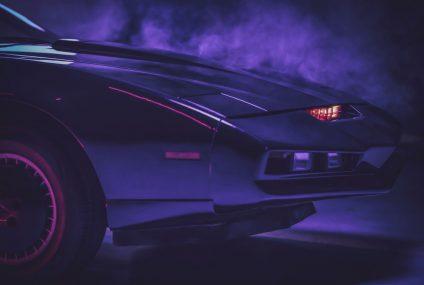 """Kultowy samochód z serialu """"Knight Rider"""" na aukcji Mastercard dla WOŚP"""