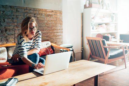 Santander Consumer Bank: Kobiety kupują online częściej niż mężczyźni