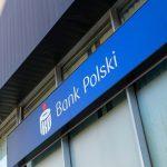 Walutę kupioną w kantorze PKO Banku Polskiego od dziś można przekazać do innych banków