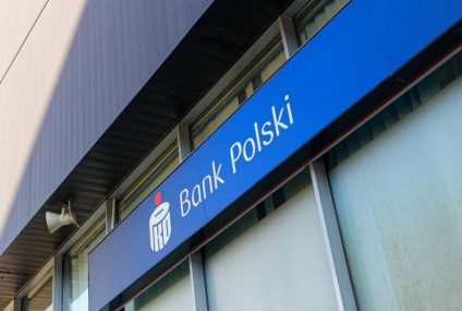 PKO BP rezygnuje z opłaty za konto oszczędnościowe i tnie odsetki na rachunkach do 0,01 proc.