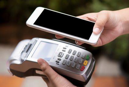 Użytkownicy Apple Pay płacą częściej i wydają wyższe kwoty. Ciekawe dane z BNP Paribas