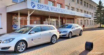 Pierwsze ze 120. aut przekazanych przez Grupę Kapitałową PKO BP na walkę z epidemią trafiły do służb medycznych i sanitarnych