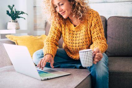 Domowe rachunki: mniej dłużników, większy dług