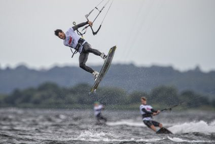 Ile kosztuje pływanie na kitesurfingu?