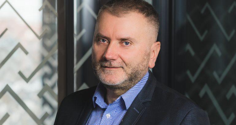 """#Prognozy2021: Wojciech Pysiewicz, Santander Consumer Bank: Można powoli zapomnieć o """"bankowości za zero"""""""