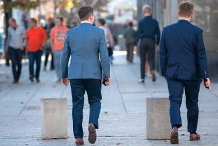 Niepokojące wyniki badań: Pandemia głównie pogrąża młodych, zamożnych i dobrze wykształconych Polaków