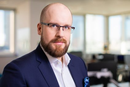 Cezary Piekarski dyrektorem globalnego pionu bezpieczeństwa technologicznego w banku Standard Chartered