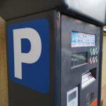 Koniec z szukaniem drobnych. Parkowanie dostępne w apkach bankowych